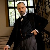 Viggo Mortensen interpretando a Sigmund Freud
