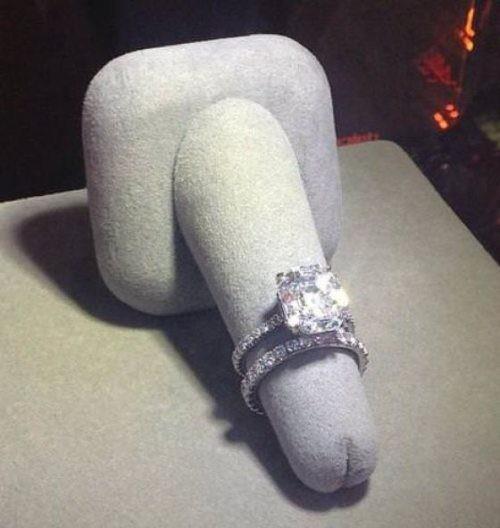 El mejor anillo de compromiso