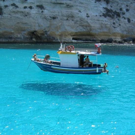 Ilusión óptica, barco en el aire