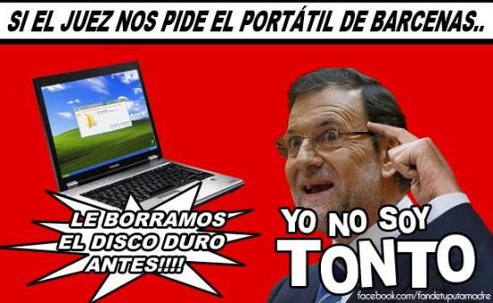 Rajoy anunciando el portatil de Bárcenas
