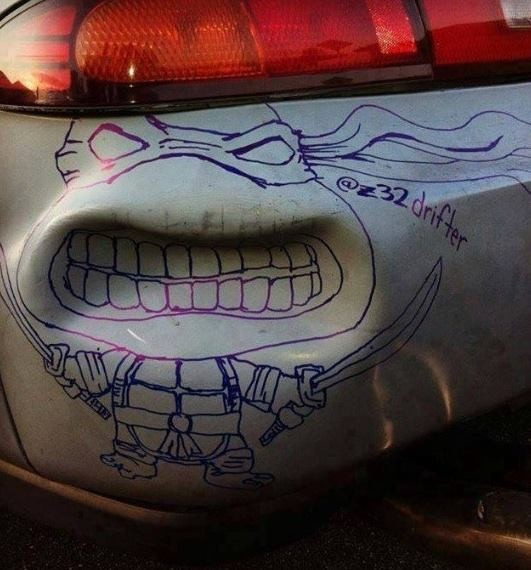 Aprovechando la abolladura del coche
