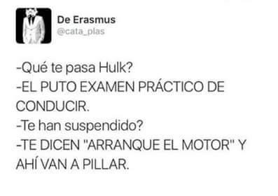 Hulk examinándose