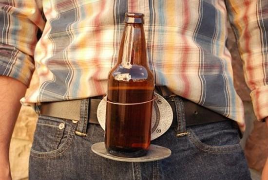 Cinturón con posavasos para la cerveza