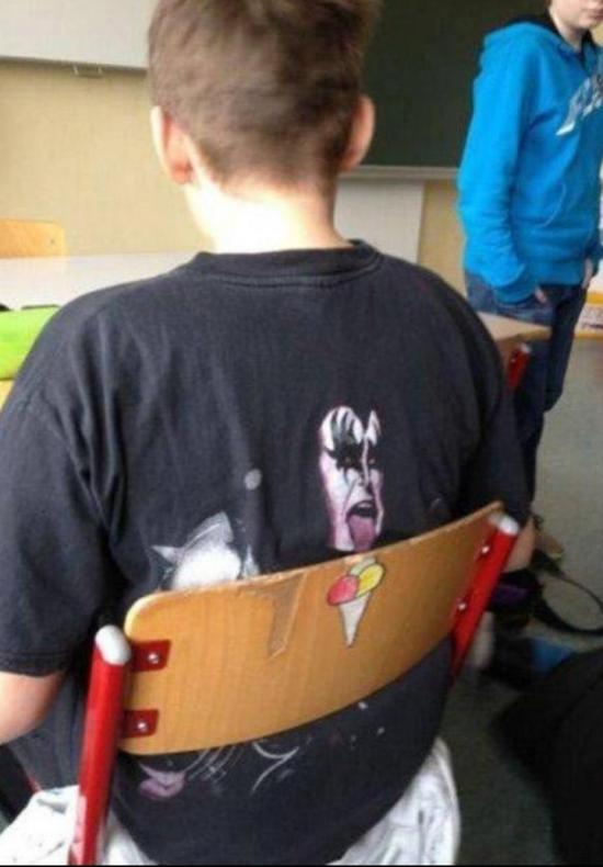 Tomando un helado en clase
