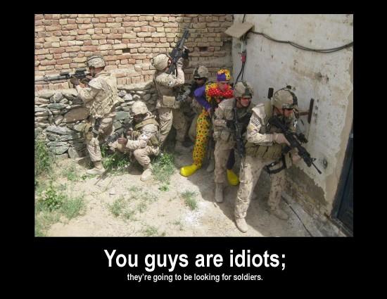 Soldados idiotas