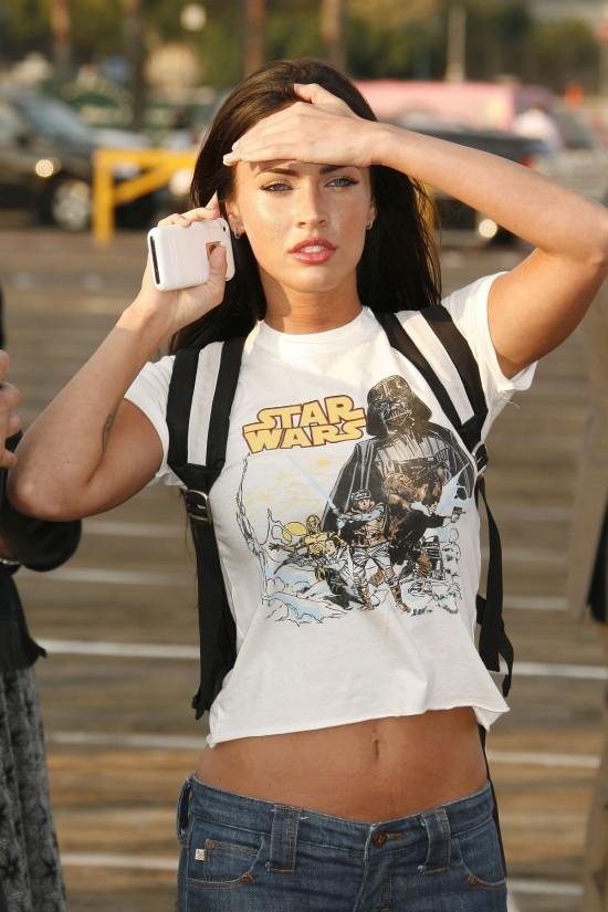 La típica friki con camiseta de star wars (Megan Fox)