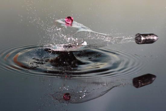 Una gota de agua y una bala
