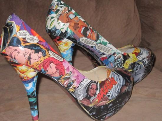 Zapatos de comic para chicas frikis