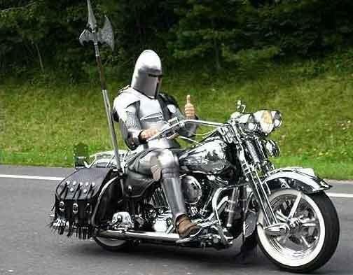 Caballero andante en moto