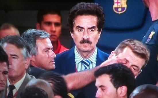 Mourinho metiendo el dedo en el ojo de Tito Vilanova