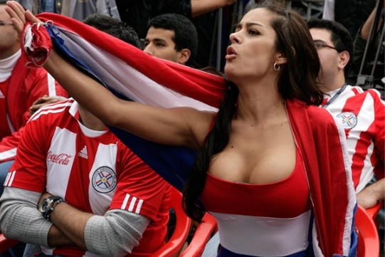 Modelo paraguaya Larissa Riquelme - fans y fanáticas del mundial