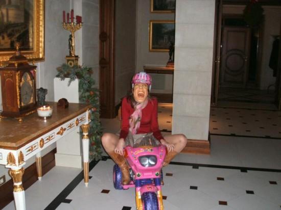La princesa Letizia en moto rosa