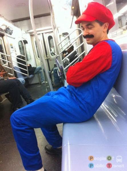 Mario Bros en el metro