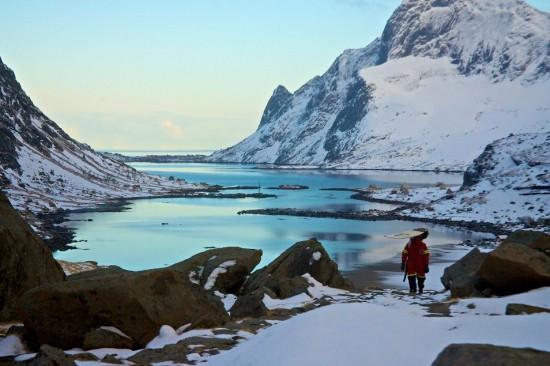 Surfear entre icebergs