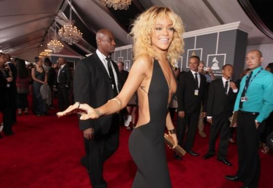 Rihanna, escote de infarto