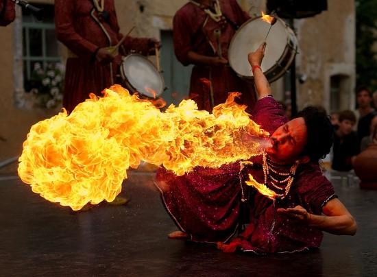 Escupiendo fuego