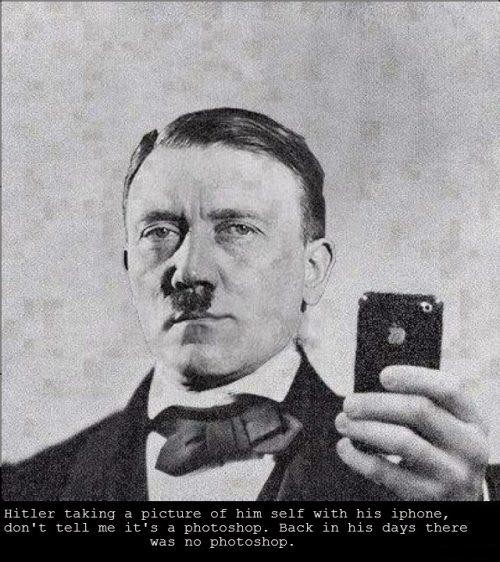 Hitler sacándose una foto con el iPhone