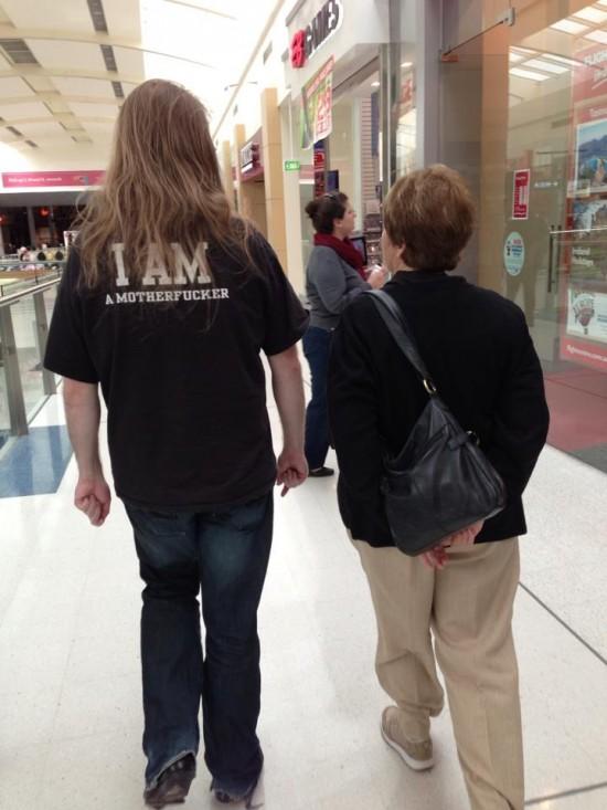 Camiseta que no te debes poner cuando vas con tu madre