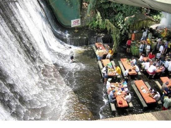 Restaurante en cascada