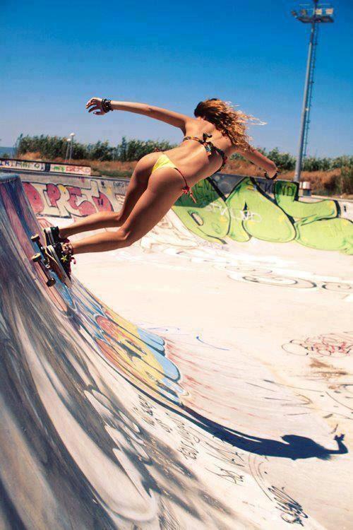 Skaters en bikini